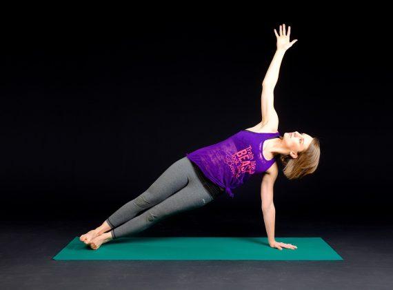 Cvičení doma: Komplexní cviky, které procvičí celé tělo